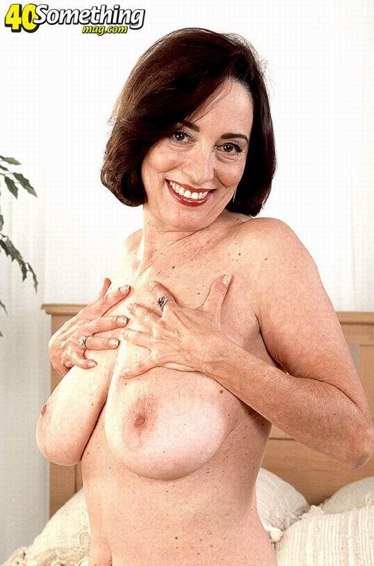 Constance marie show off ass
