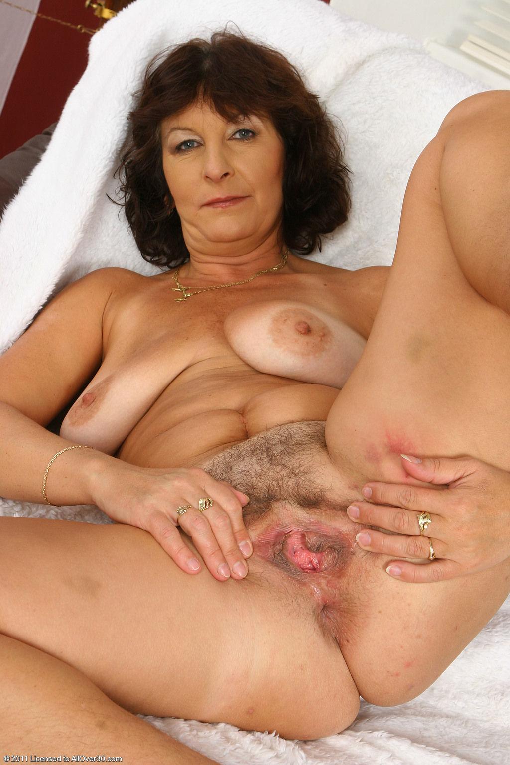 Фото секс с очень пожил женщ 12 фотография