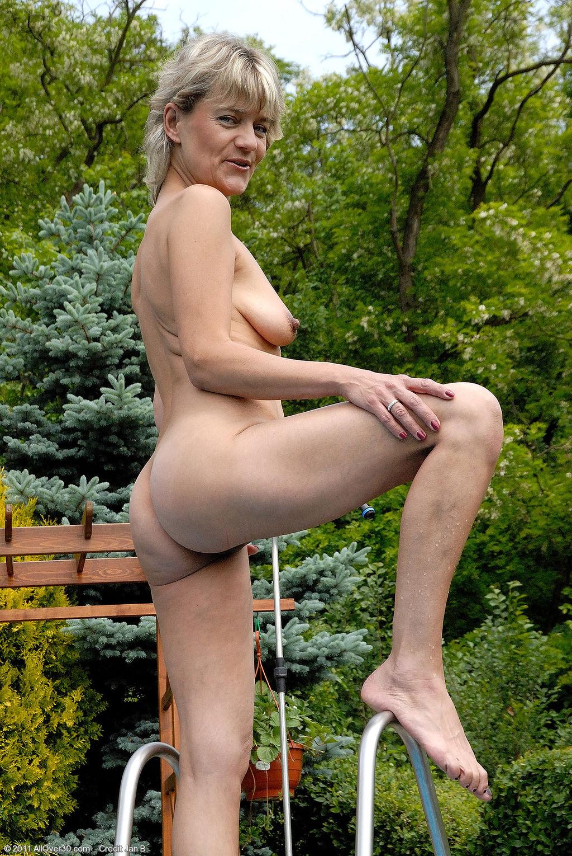 Стройная французская натурщица порно 15 фотография
