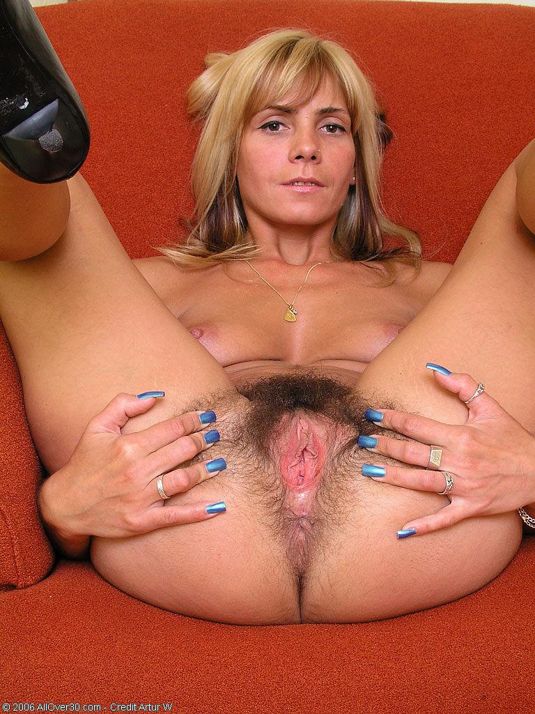 порно фото киски зрелых женщин № 293598 загрузить
