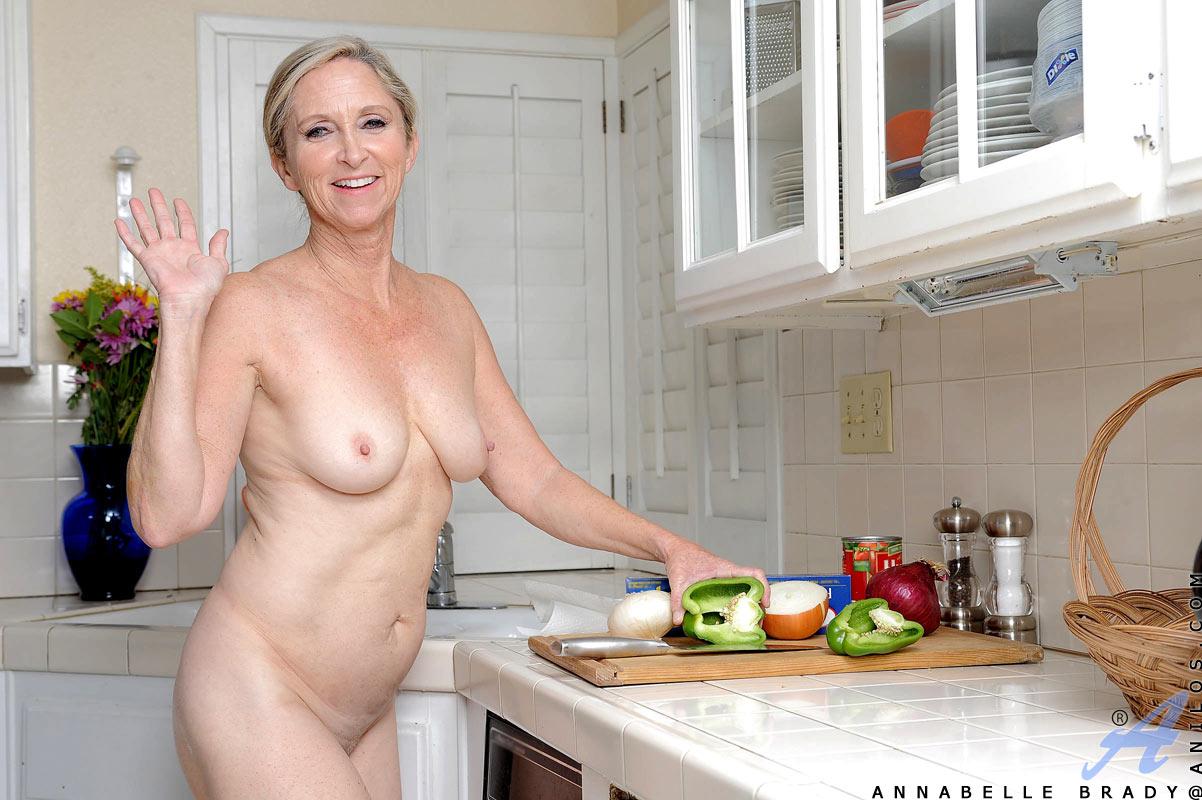 Фото зрелый голых женщин, Голые зрелые женщины частные секс фото 12 фотография